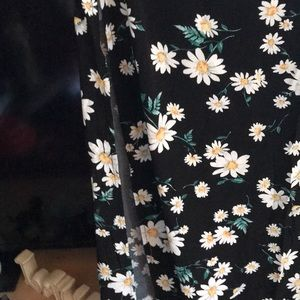 Forever 21 Skirts - Steal of the week ❤️❤️ Daisy's maxi skirt